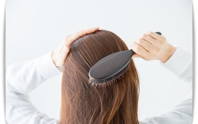 くせ毛 雨の日 髪型 対策方法