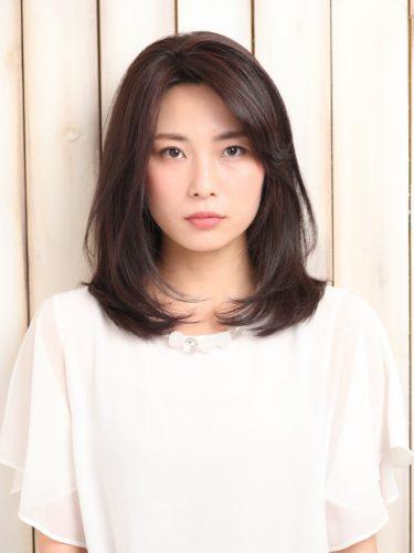 40代 髪型 セミロング 丸顔